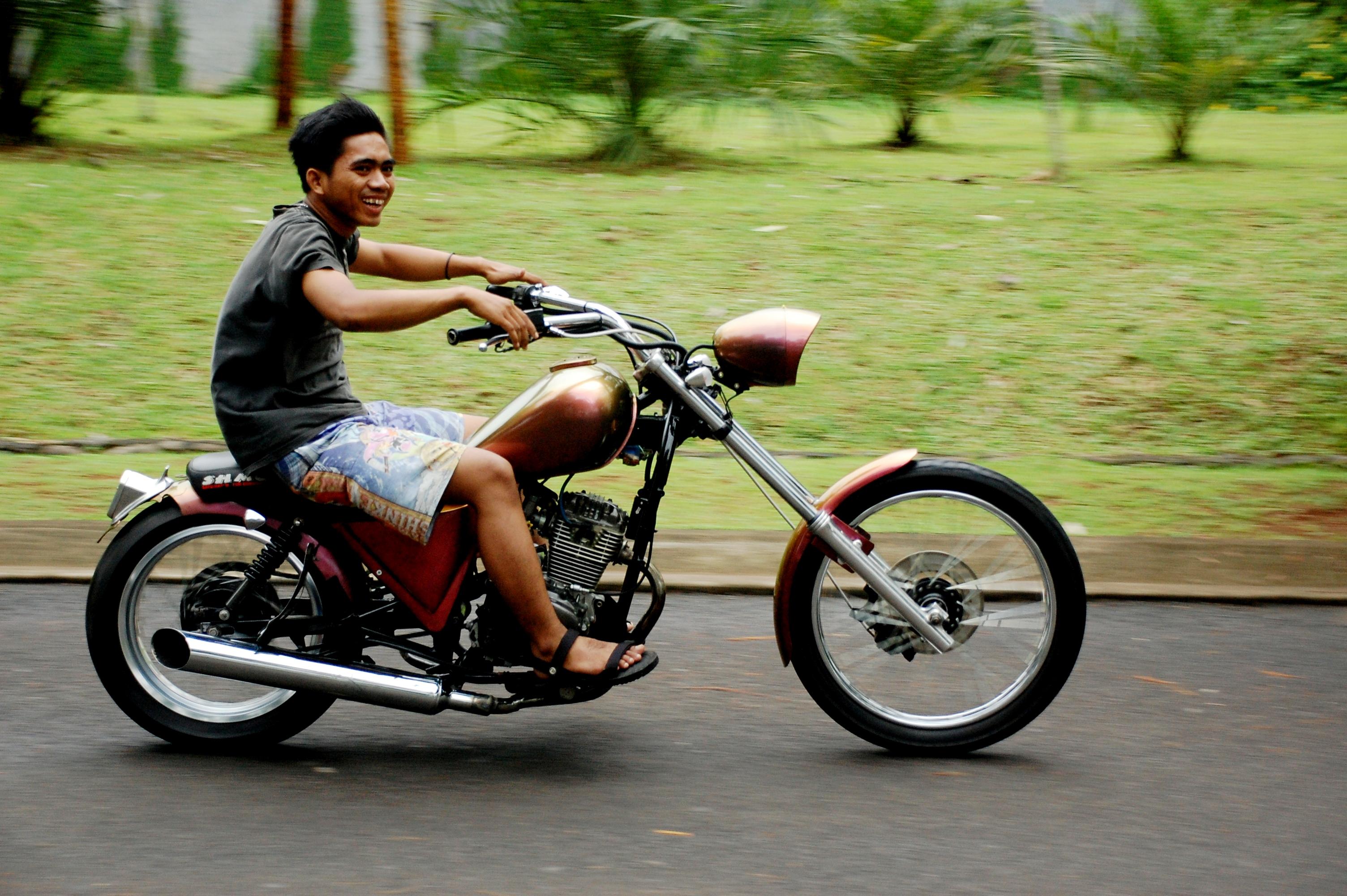 Download 75 Modifikasi Motor Gl 100 Jadi Harley Terbaru Cermin