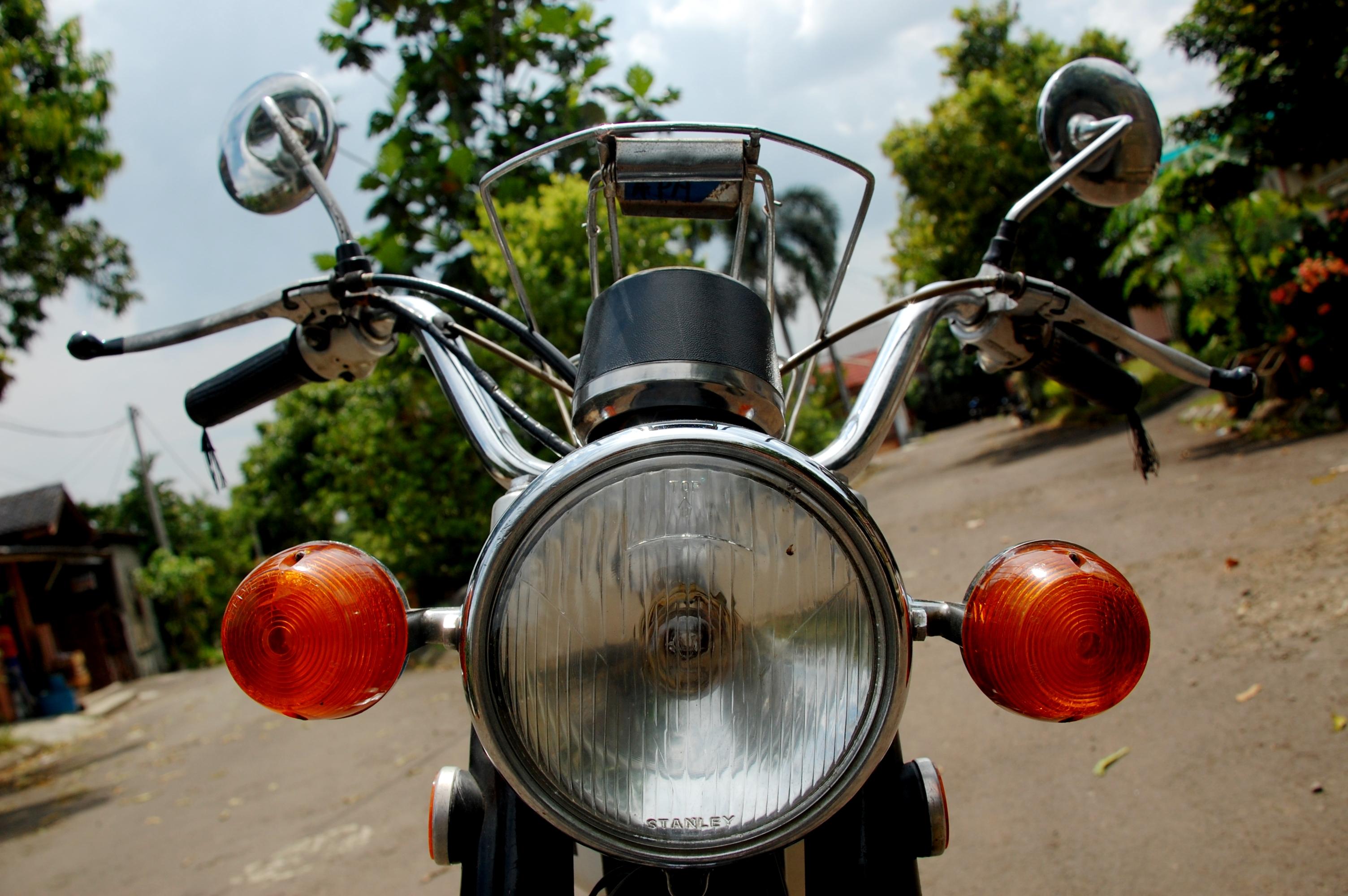 Taufik Honda Cb 100 The Everlasting Bike Gilamotor