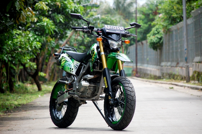 Costumize Us: Wanna Look Different, Chose Supermoto Off