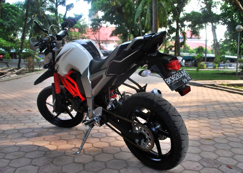 ide modifikasi byson ala supermoto