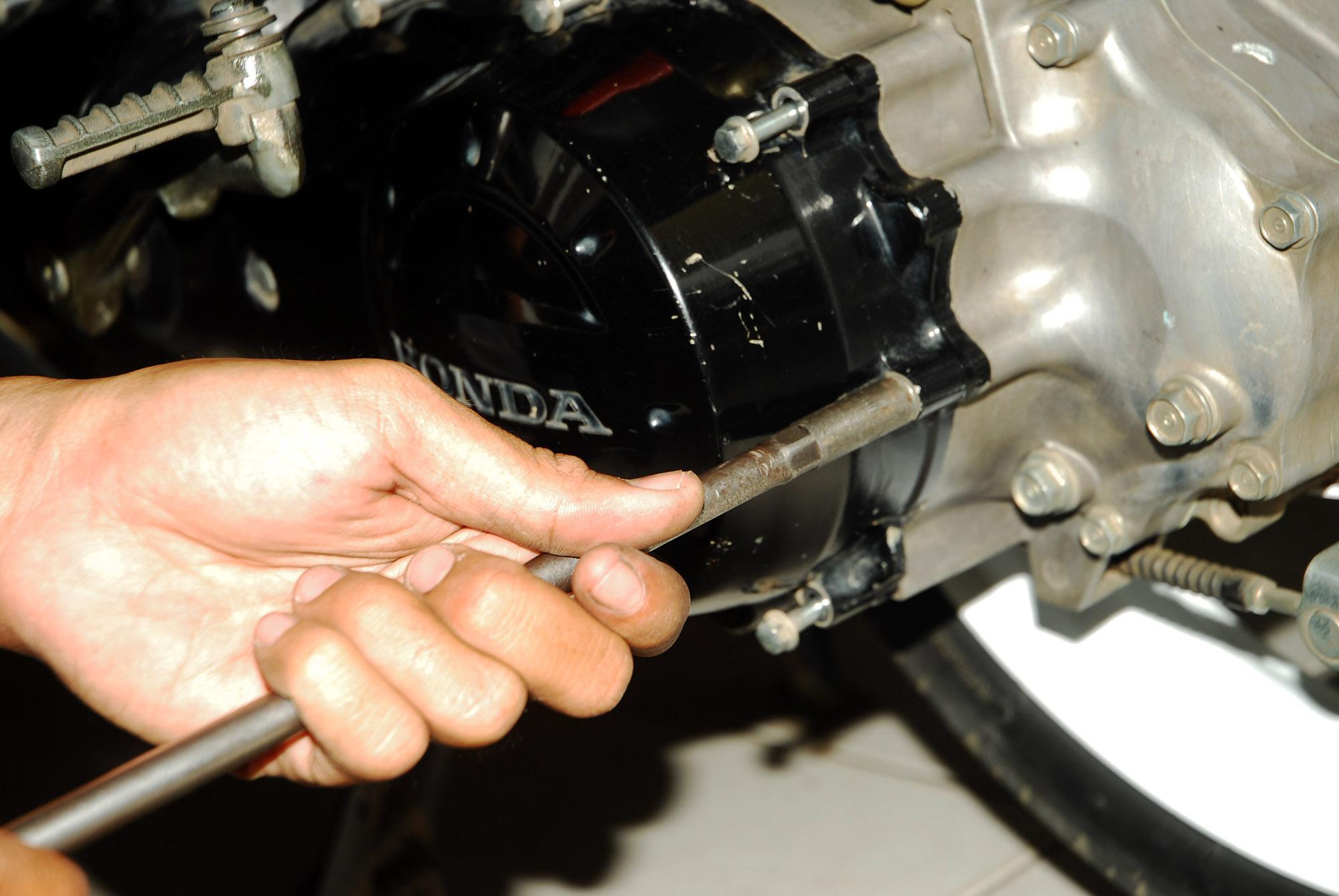 Upgrade Pulley Belakang Beat Lebih Besar Nendang Gilamotor Rumah Roller Honda Karbu Scoopy Spacy