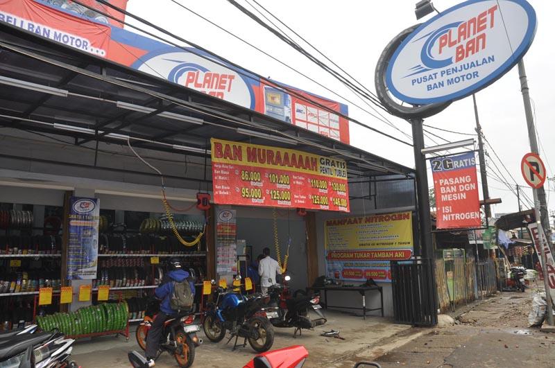 planet ban pusat with Pla  Ban Pusat Pencarian Ban Motor on Pla  Ban Surabaya Lokasi Alamat Telepon likewise Pesan Damai moreover Banjir Kedah Terkini Catatan 7 Nov 2010 additionally Pla  Ban Pusat Pencarian Ban Motor besides Corsa R46 R14.