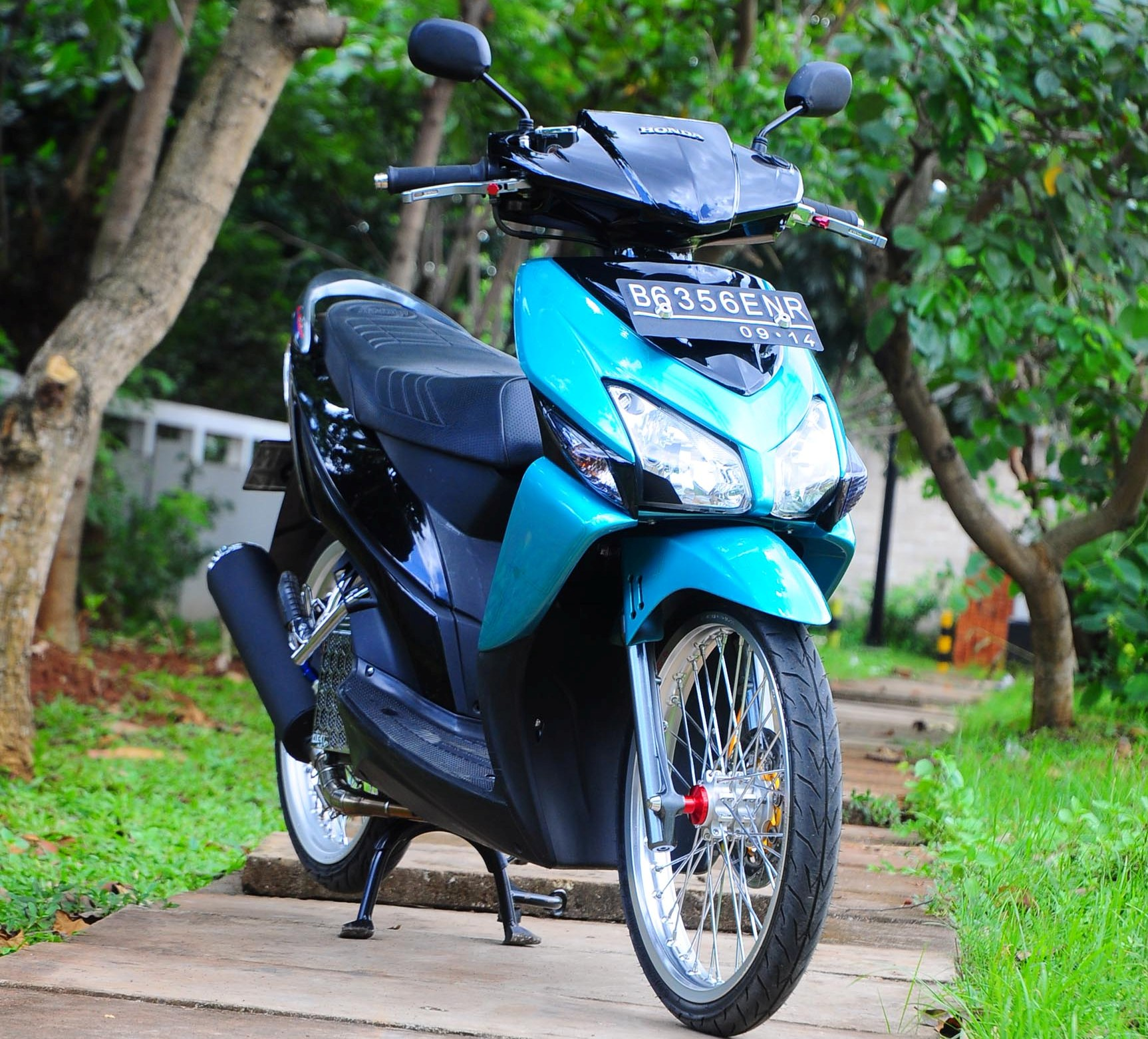 Gambar Modifikasi Motor Vario 2009 Terkeren Earth Modification