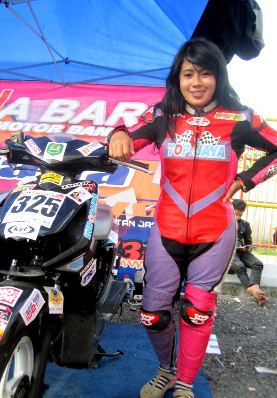 cerita ngentot indri barbie   download bokep indonesia gratis