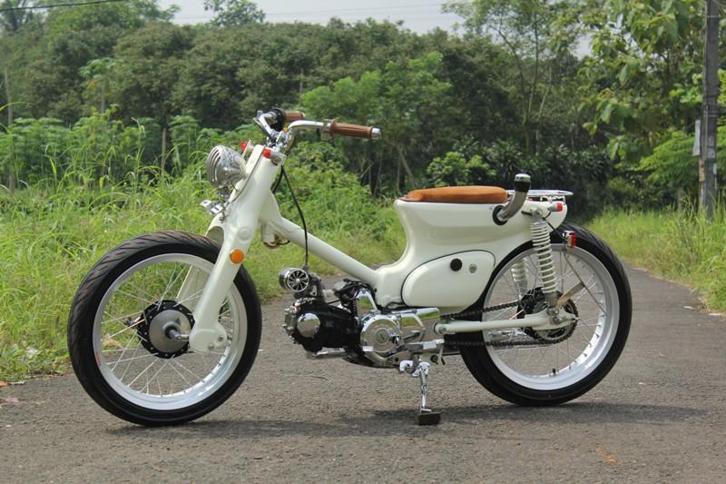Modifikasi Motor Suzuki Jadul >> Honda Astrea Grand, Bobber Street Cup Sang Pilot | Gilamotor