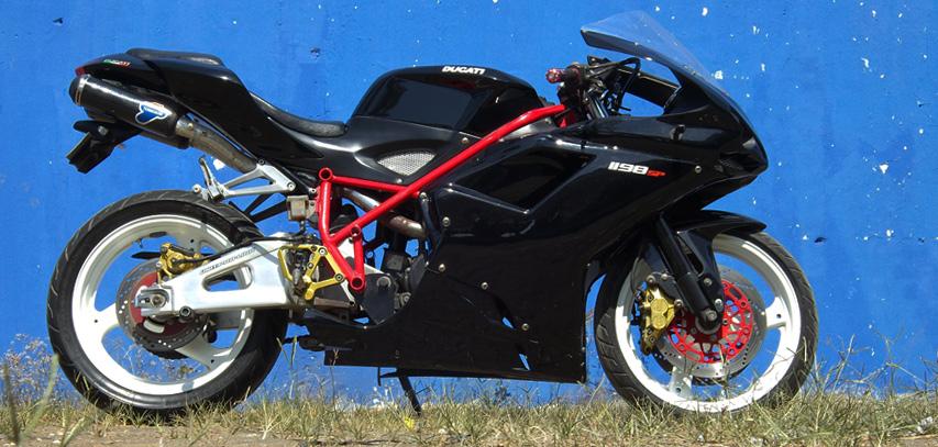 Honda-Tiger-Ganti-Baju-Ala-Ducati-1198-SP-pilih-1