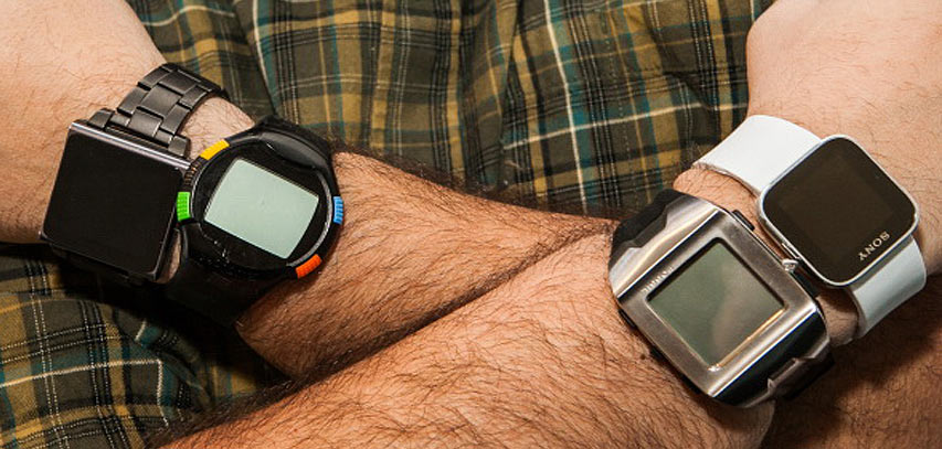 Pengendara-Motor-Pakai-Smartwatch-Kena-Pidana