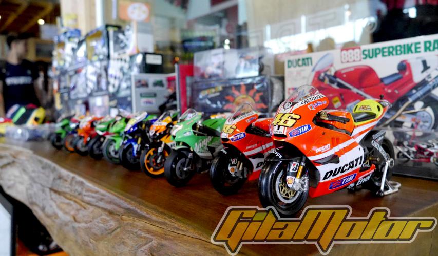 DMCI adalah Komunitas Motorcycle Diecast Indonesia. Mereka adalah para pecinta diecast motor