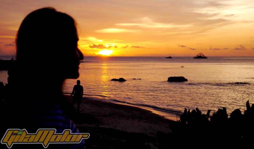 Tanjung Lesung ada di kawasan Pantai Jawa Barat, di Provinsi Banten. Beberapa pantainya dikenal yang terbaik karena menawarkan banyak spot olah raga air