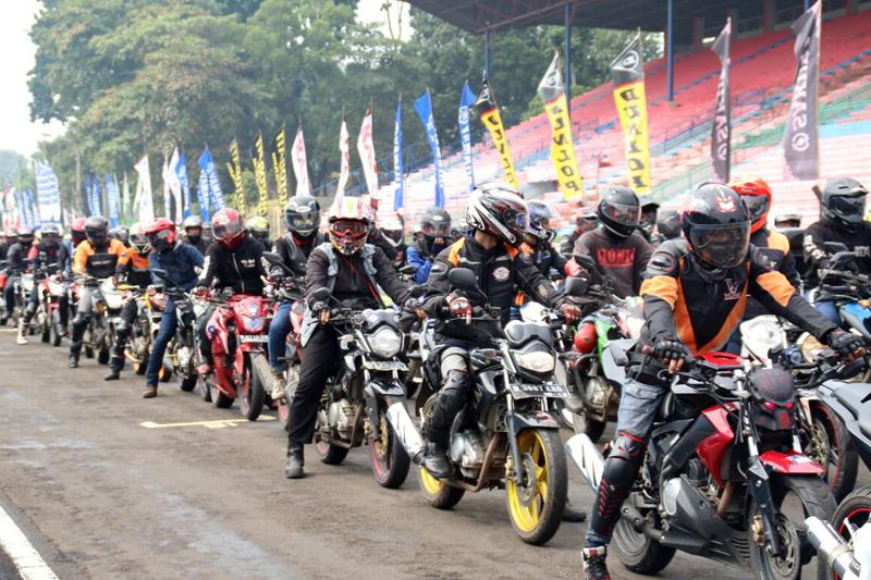 Victory lap 1.000 V-Ixion memeriahkan Yamaha Sunday Race (4)