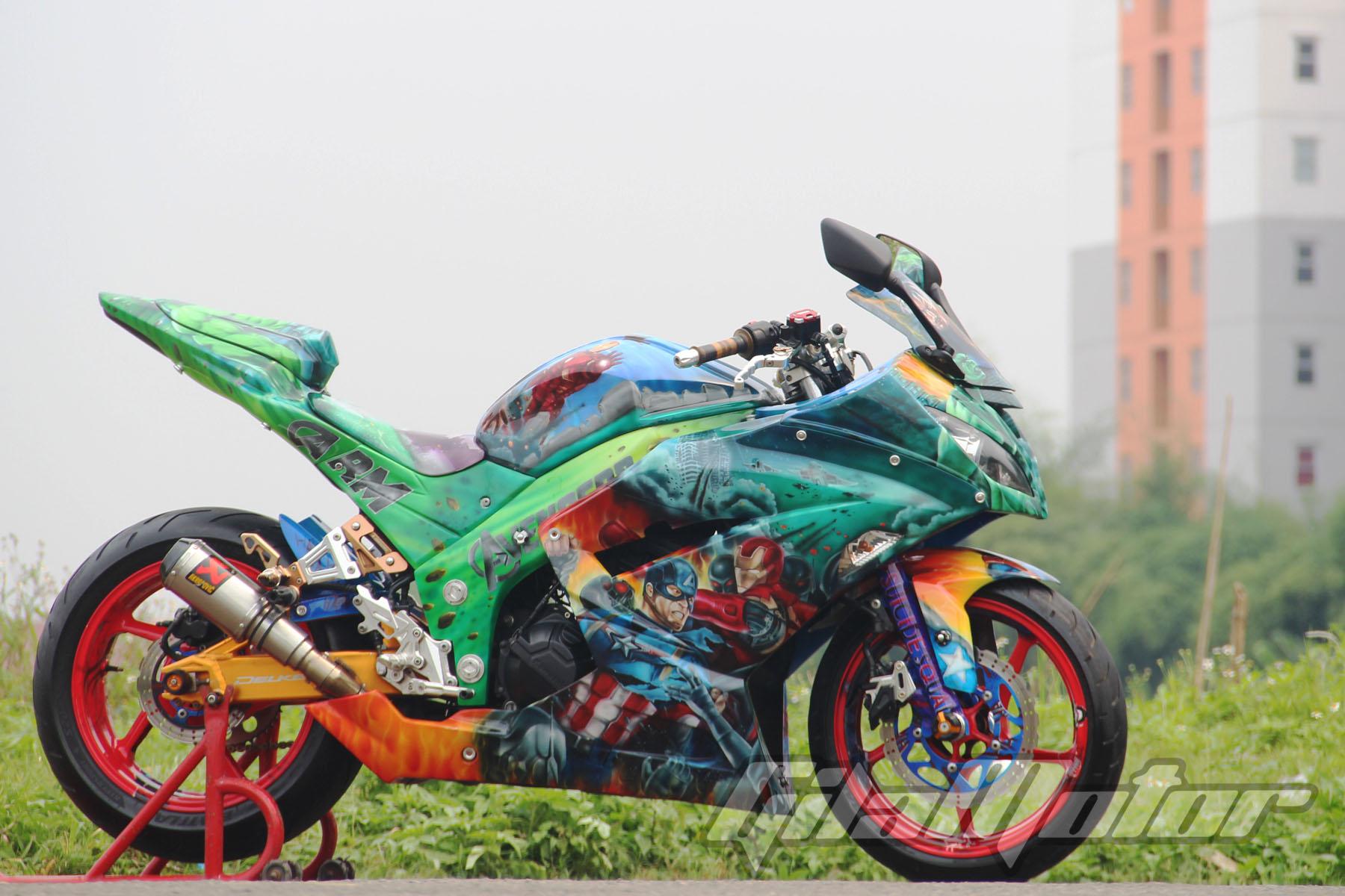 Modifikasi Kawasaki Ninja 250 Fi Medan Perang Tokoh Avengers Gilamotor