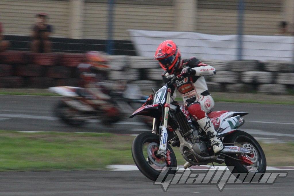 Germain Vincenot Beberkan Tips Jadi Pembalap Supermoto