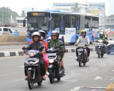 Motor dilarang lewat Rasuna Said – Sudirman.