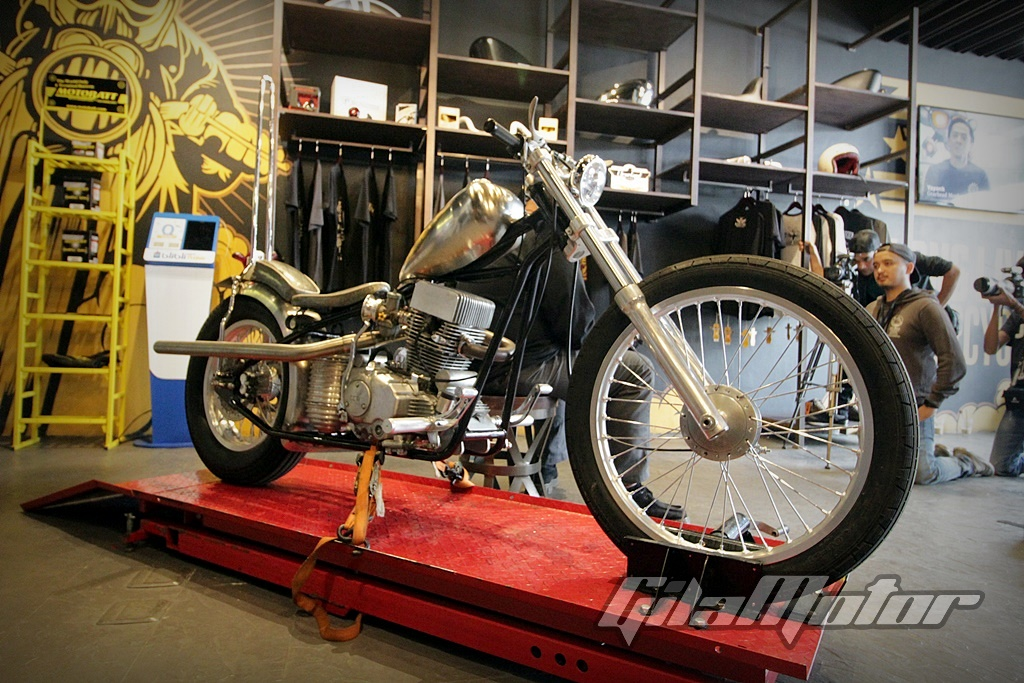 Cleveland Cyclewerks Garage Life