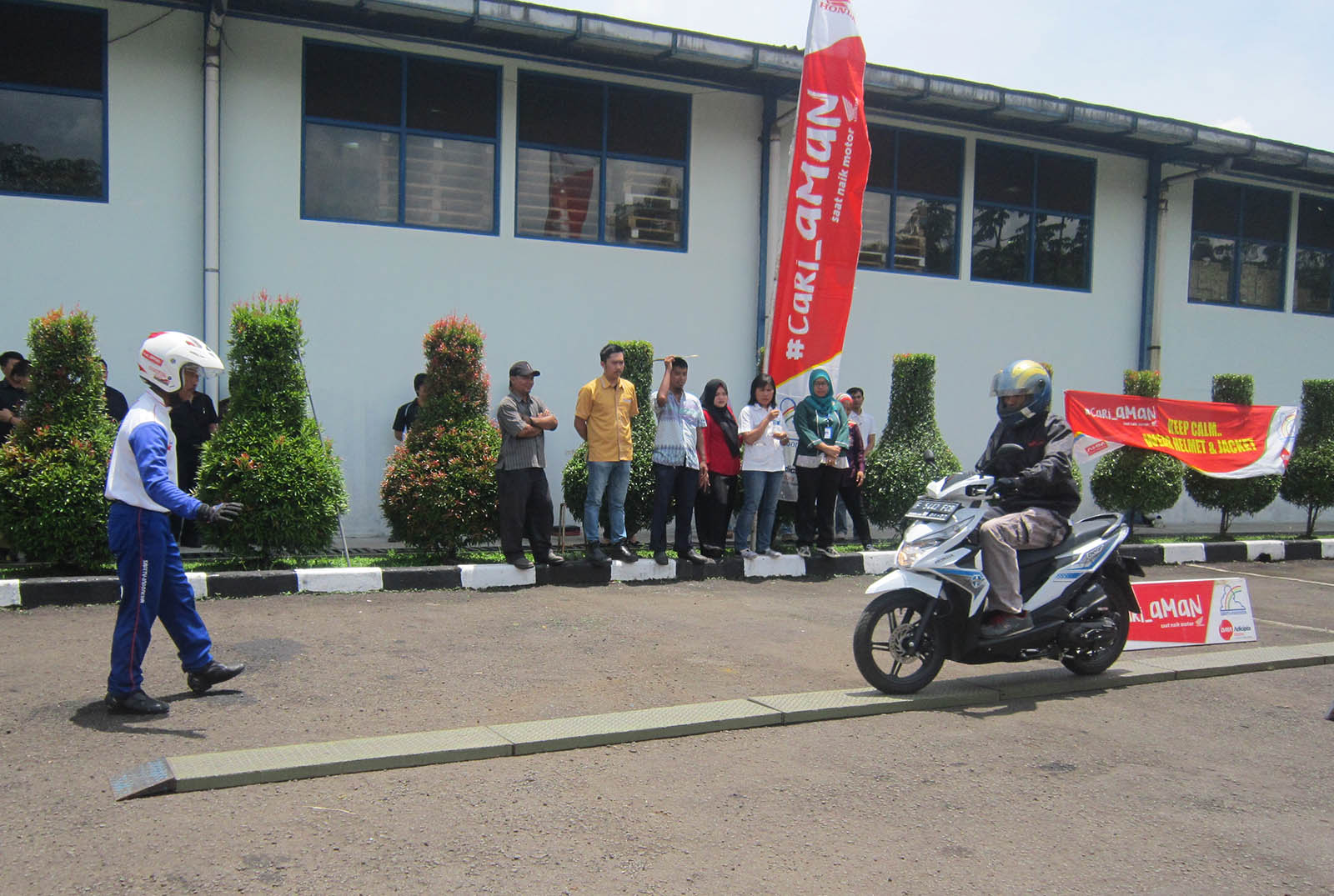 Edukasi Safety Riding