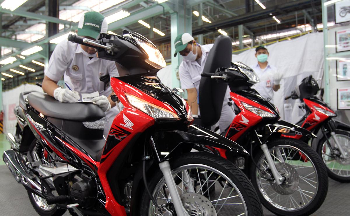 Honda Supra X 125 Fi Punya Baju Baru Gilamotor